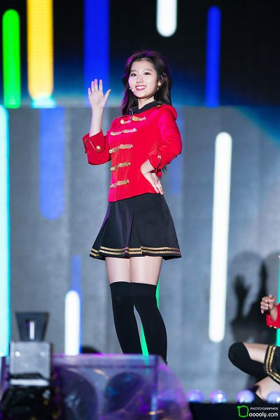 Tags: K-Pop, Twice, Minatozaki Sana, Thigh Highs, Zettai Ryouiki