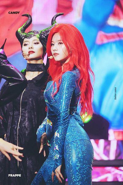 Tags: K-Pop, Twice, Minatozaki Sana, Tzuyu, Black Dress, Wig, Duo, Red Hair, Black Headwear, Make Up, Looking Ahead, Blue Outfit