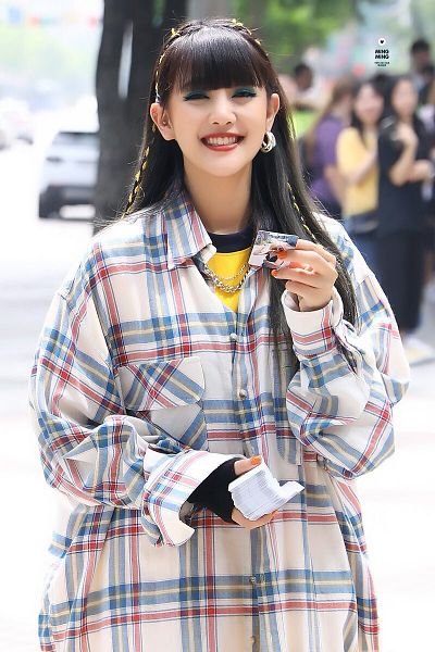 Tags: K-Pop, (G)-I-DLE, Minnie, Holding Object, Nail Polish, Necklace, Yellow Shirt, Plaided Shirt, Make Up, Plaided Print, Glove, Card