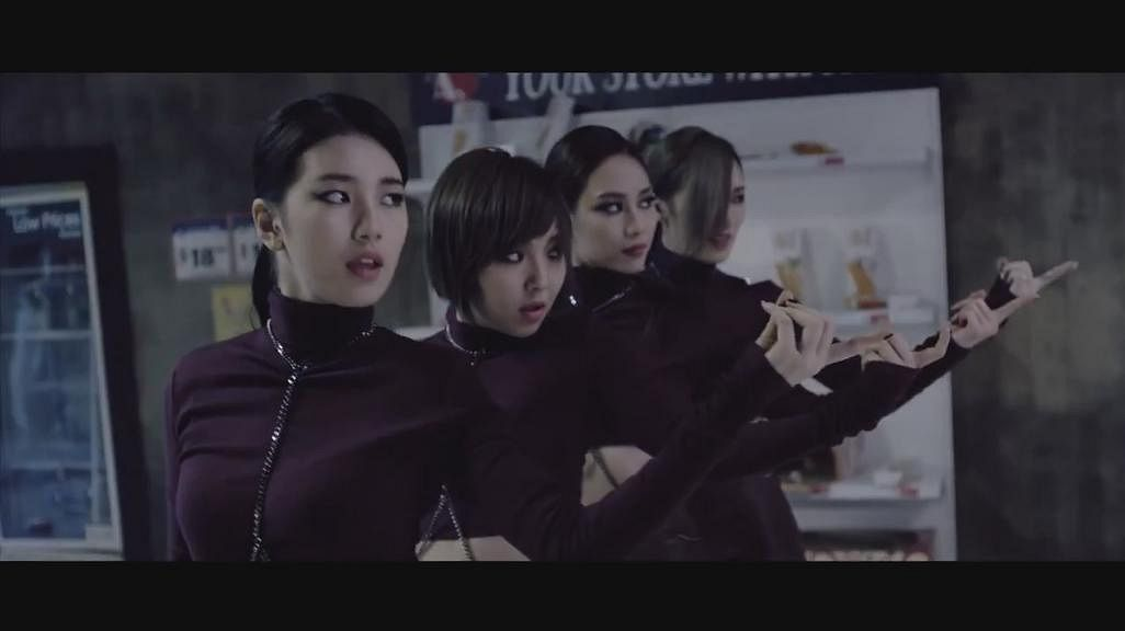 Tags: K-Pop, Miss A, Hush, Meng Jia, Min, Bae Suzy, Wang Feifei, Quartet, Full Group, Red Lips, Purple Shirt, Four Girls