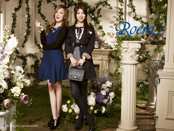 Tags: JYP Entertainment, K-Pop, Miss A, Bae Suzy, Meng Jia, Flower, Bag, Fireplace, Black Outerwear, Two Girls, White Flower, Blue Outfit