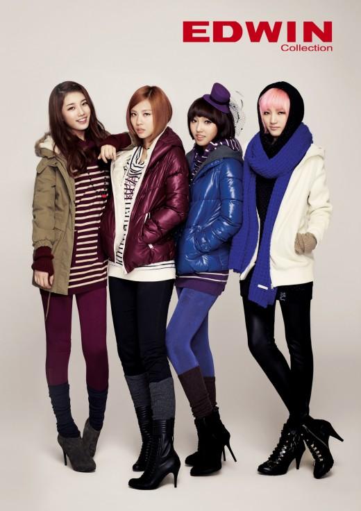 Tags: K-Pop, Miss A, Meng Jia, Bae Suzy, Min, Wang Feifei, Quartet, Four Girls, Hand In Pocket, Pink Hair, Grin, Scarf
