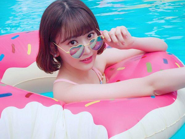 Tags: J-Pop, IZ*ONE, HKT48, Miyawaki Sakura, Swimsuit, In Water, Bare Shoulders, Glasses, Water, Sunglasses, Flotation Devices, Medium Hair