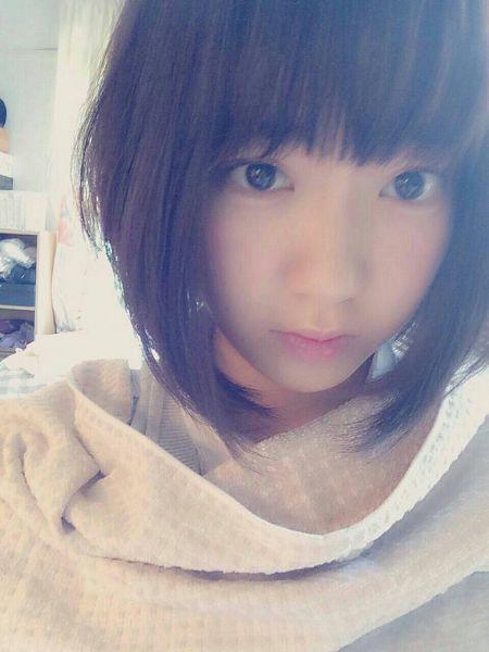 Tags: J-Pop, HKT48, IZ*ONE, Miyawaki Sakura, Medium Hair, Closed Mouth, Bangs, Black Eyes