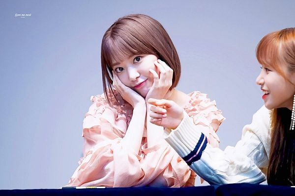 Tags: J-Pop, HKT48, IZ*ONE, Miyawaki Sakura, Chin In Hand, Pen, Hand On Cheek, Hand On Head, Medium Hair, Love Me Most