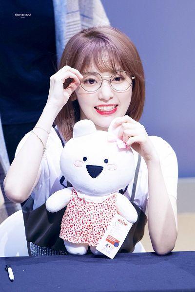 Tags: J-Pop, IZ*ONE, HKT48, Miyawaki Sakura, Chair, Stuffed Toy, Glasses, Stuffed Animal, Sitting On Chair, Pen, Looking Away, Medium Hair