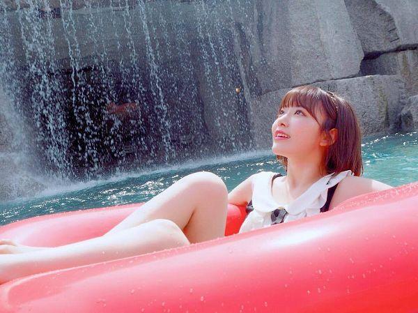 Tags: J-Pop, HKT48, IZ*ONE, Miyawaki Sakura, Flotation Devices, Looking Up, Swimsuit, Waterfall, Bare Shoulders, Bare Legs