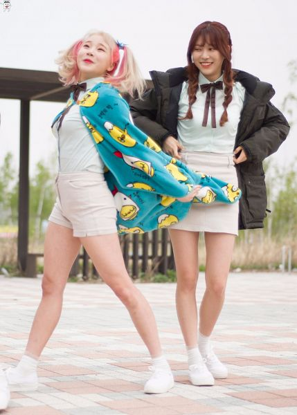 Tags: K-Pop, Momoland, JooE, Jane (Momoland), Skirt, Duo, Brown Bow, Matching Outfit, White Shorts, Blue Shirt, Black Outerwear, Shoes