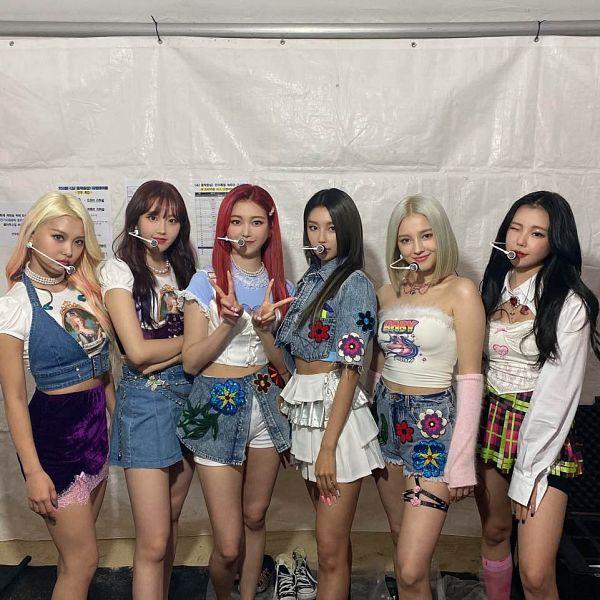 Tags: K-Pop, Momoland, Jane (Momoland), Nancy, Kim Nayun, Lee Ahin, Lee Hyebin, JooE