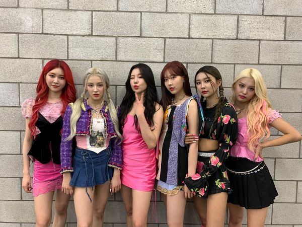 Tags: K-Pop, Momoland, Kim Nayun, Lee Ahin, Lee Hyebin, JooE, Jane (Momoland), Nancy