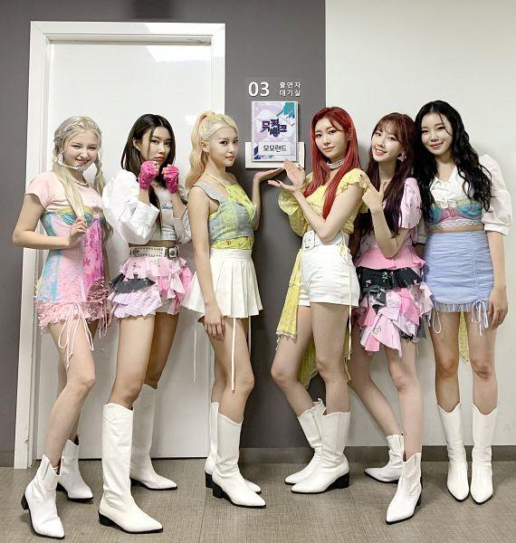 Tags: K-Pop, Momoland, Nancy, Kim Nayun, Lee Ahin, Lee Hyebin, JooE, Jane (Momoland)