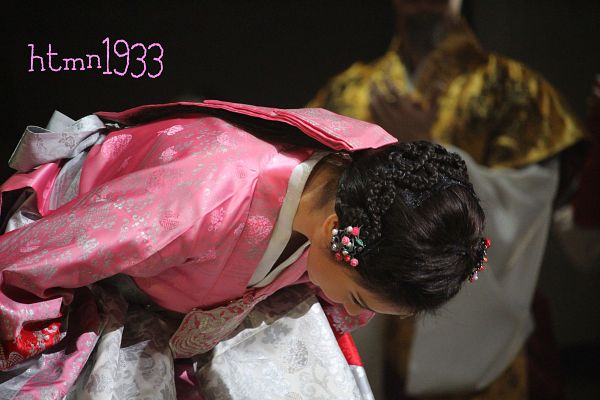 Tags: K-Drama, Girls' Generation, Seohyun, Hanbok, Bend Over, Black Background, Moon Embracing the Sun, Wallpaper