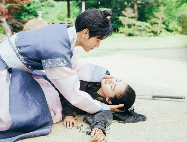 Tags: K-Drama, K-Pop, EXO, Z.Hera, Byun Baekhyun, Duo, Hair Buns, Weapons, Laying Down, Traditional Clothes, Hair Up, Sword