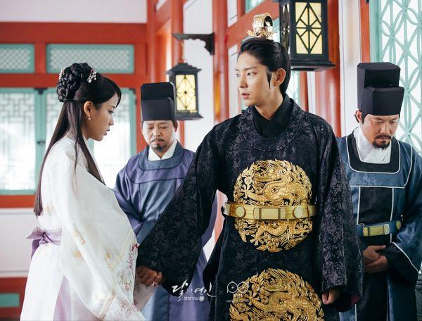 Tags: K-Drama, K-Pop, IU, Lee Jun-ki, Lamp, Belt, White Outfit, Hat, Traditional Clothes, Holding Hands, Beard, Korean Clothes