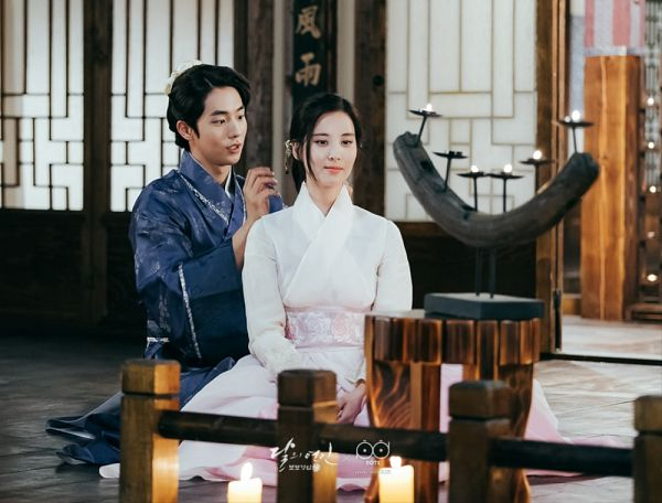 Tags: K-Drama, K-Pop, Girls' Generation, Seohyun, Nam Joo-hyuk, Bent Knees, Fire, Duo, Sitting, Traditional Clothes, Candle, Korean Clothes