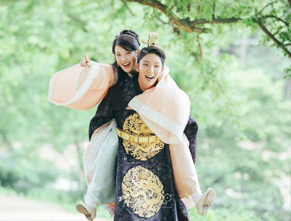 Tags: K-Drama, K-Pop, IU, Lee Jun-ki, Single Bun, Hair Buns, Duo, Piggyback, Couple, Hair Up, Traditional Clothes, Carry