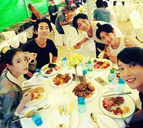 Tags: K-Pop, K-Drama, EXO, Nam Joo-hyuk, Lee Jun-ki, Ji Soo, IU, Byun Baekhyun, Traditional Clothes, Chair, Sleeveless, Korean Clothes
