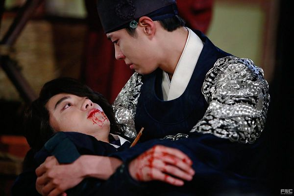 Tags: K-Drama, Kwak Dong-yeon, Park Bo-gum, Hat, Duo, Looking At Another, Traditional Clothes, Ponytail, Two Males, Korean Clothes, Blood, Laying Down