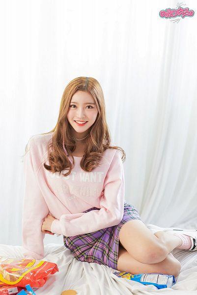 Tags: JTG Entertainment, K-Pop, Busters, Dream On, Myeong Hyeongseo, Purple Skirt, Choker, Blonde Hair, Pink Shirt, Grin, Red Lips, Skirt
