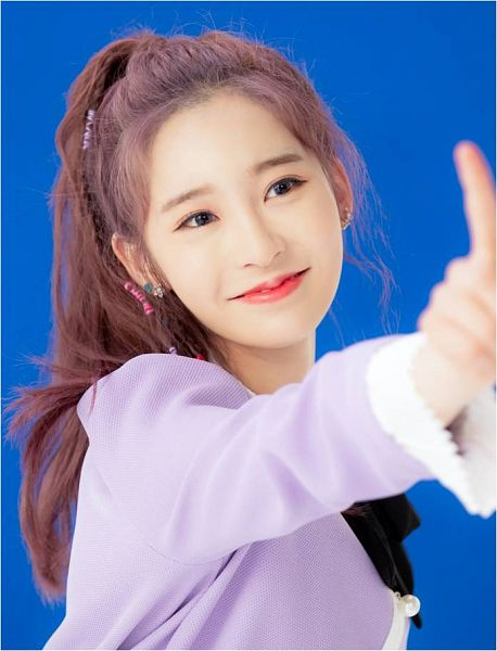 Tags: K-Pop, Busters, Grapes (Song), Myeong Hyeongseo, Wavy Hair, Purple Dress, Red Lips, Bow, Blue Background, Dancing, Hair Ornament, Black Bow