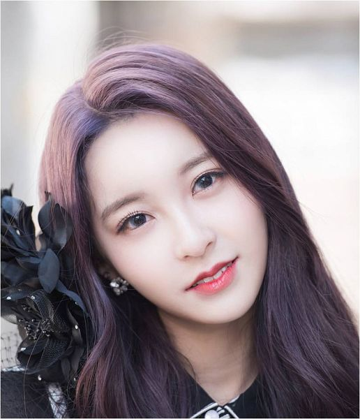 Tags: K-Pop, Busters, Grapes (Song), Myeong Hyeongseo, Purple Hair, Hair Ornament, Grin, Contact Lenses, Wavy Hair, Head Tilt