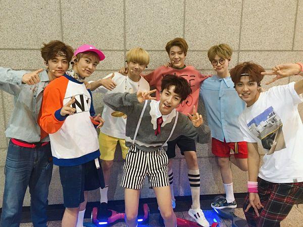 Tags: SM Town, K-Pop, NCT, NCT Dream, Na Jae-min, Lee Je-no, Huang Renjun, Haechan, Zhong Chenle, Mark Lee, Park Ji-sung, V Gesture