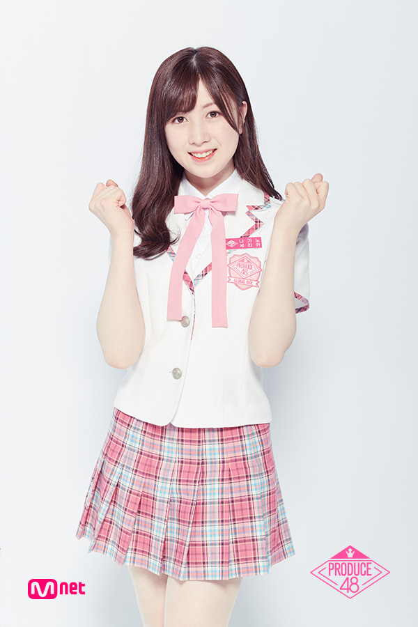 Tags: Television Show, J-Pop, AKB48, Nagano Serika, Blunt Bangs, Checkered Skirt, Pink Skirt, Checkered, Light Background, White Jacket, Arms Up, White Background