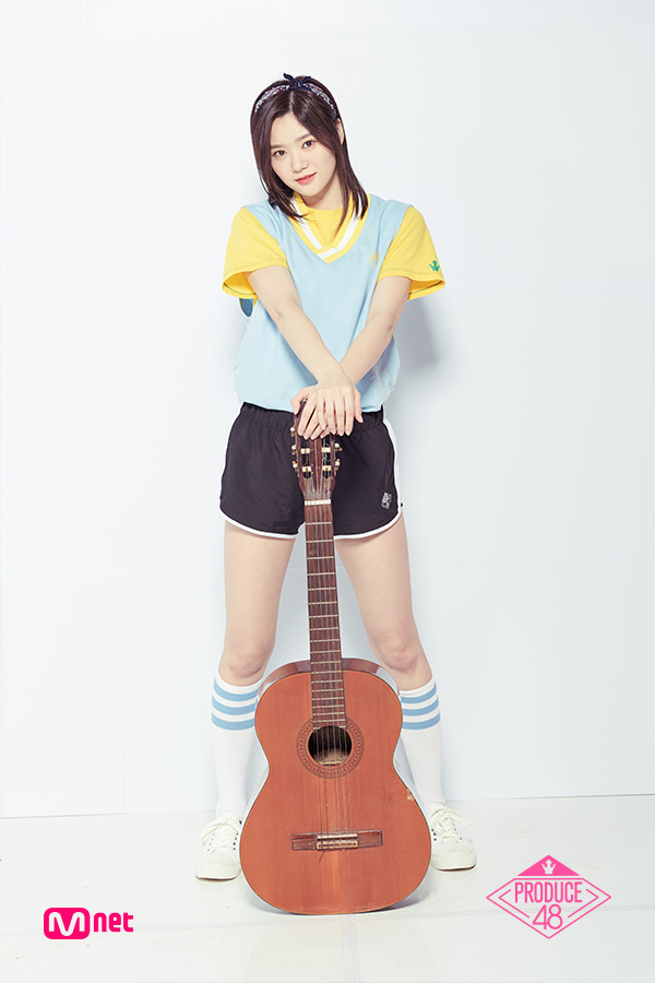 Tags: J-Pop, Television Show, AKB48, Nakano Ikumi, Collar (Clothes), Light Background, Hairband, Guitar, White Background, Musical Instrument, Yellow Shirt, Shoes