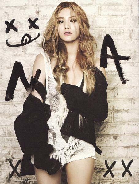 Tags: K-Pop, After School, First Love, Nana, Bare Shoulders, Black Jacket, Sleeveless, Sleeveless Shirt, Black Outerwear, Scan