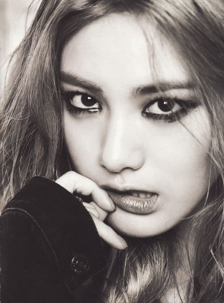 Tags: K-Pop, After School, First Love, Nana, Close Up, Monochrome, Biting Lip, Finger To Lips, Scan