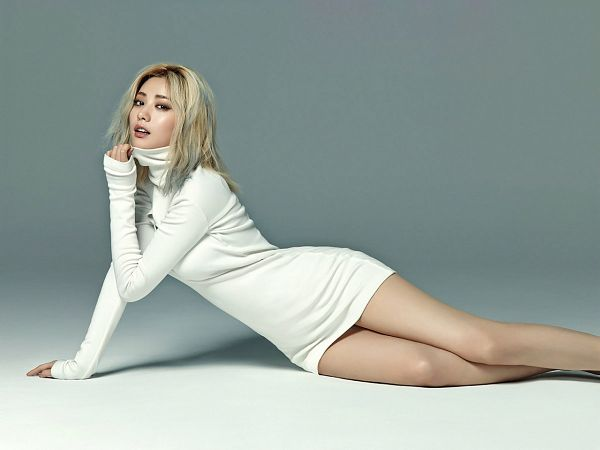 Tags: K-Pop, After School, Nana, White Dress, Gray Background, Laying On Ground, White Outfit, Cosmopolitan