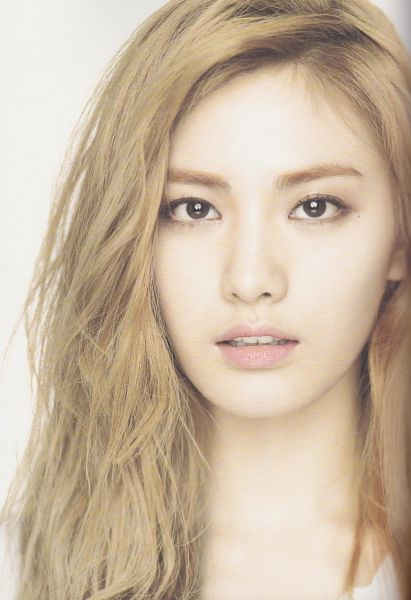 Tags: K-Pop, After School, First Love, Nana, Close Up, Light Background, White Background, Android/iPhone Wallpaper, Scan