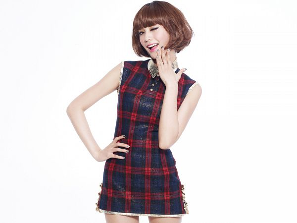Tags: K-Pop, Orange Caramel, After School, Shanghai Romance, Nana, Black Outfit, Checkered, Hand On Hip, Light Background, Wig, White Background, Checkered Dress