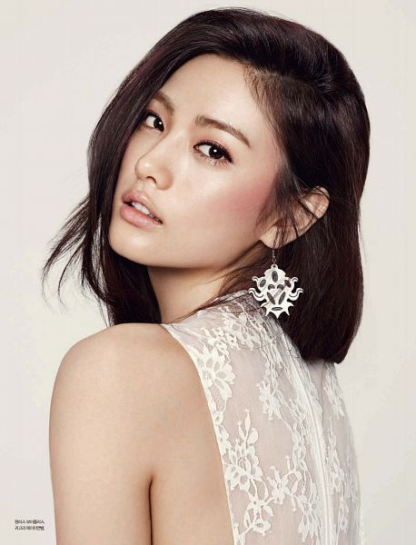 Tags: K-Pop, After School, Nana, Looking Back, White Dress, Brown Background, White Outfit, Scan, Android/iPhone Wallpaper, Esquire Magazine, Magazine Scan