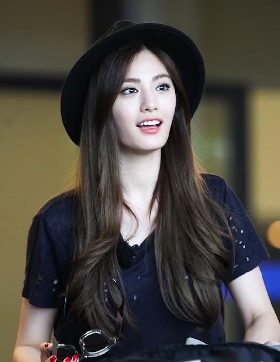 Tags: K-Pop, After School, Nana, Black Headwear, Hat, Looking Away