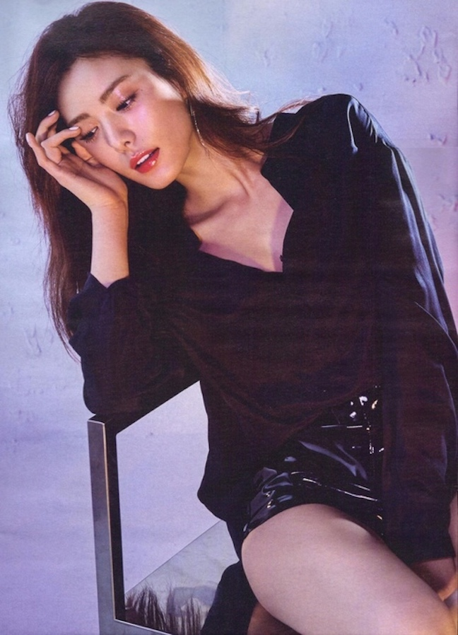 Tags: K-Pop, After School, Nana, Looking Ahead, Black Jacket, Black Outerwear, Sitting On Chair, Looking Down, Shorts, Chair, Black Pants, Magazine Scan