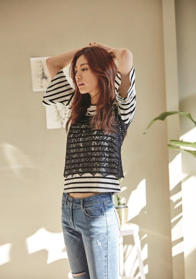 Tags: K-Pop, After School, Nana, Striped Shirt, Looking Away, Striped, Jeans