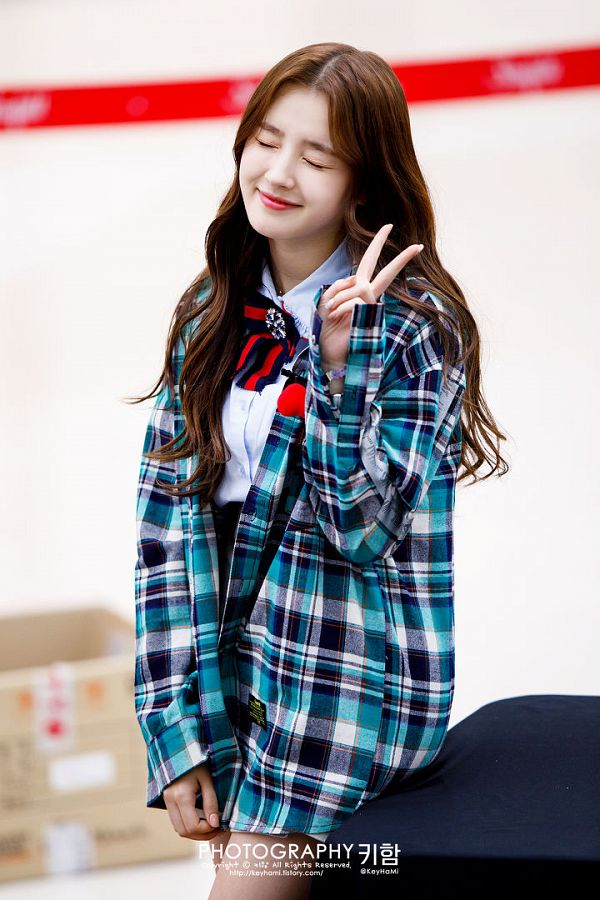 Tags: K-Pop, Momoland, Nancy, Green Shirt, Eyes Closed, Open Shirt, V Gesture, Checkered Shirt, Black Skirt, Red Neckwear, Skirt, Black Neckwear