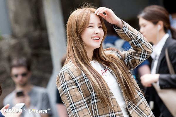 Tags: K-Pop, Momoland, Nancy, Brown Outerwear, Eyes Half Closed, Checkered, Outdoors, Checkered Jacket, Hand In Hair, Looking Ahead, Dispatch