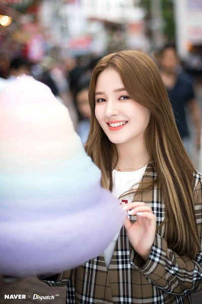 Tags: K-Pop, Momoland, Nancy, Checkered Jacket, Brown Outerwear, Checkered, Sweets, Cotton Candy, Dispatch