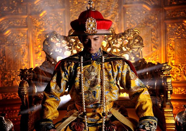 Tags: C-Drama, Nicky Wu, Headdress, Crown, Throne, Chair, Chinese Clothes, Yellow Outfit, Traditional Clothes, Scarlet Heart