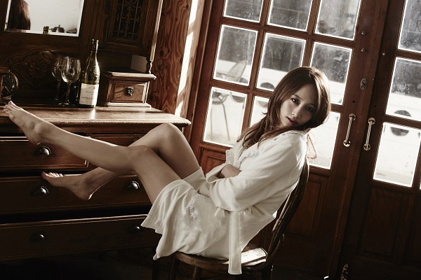 Tags: K-Pop, KARA, Nicole Jung, Chair, Glass (Cup), Wine Glass, Crossed Arms, Wine, Barefoot, Cup, Sitting On Chair, Wallpaper