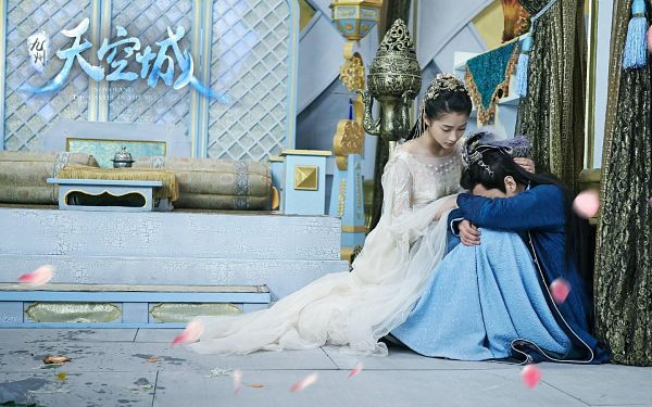 Tags: C-Drama, Zhang Ruoyun, Guan Xiaotong, White Dress, Hair Ornament, Duo, Crying, Couple, Traditional Clothes, Text: Series Name, Chinese Text, White Outfit