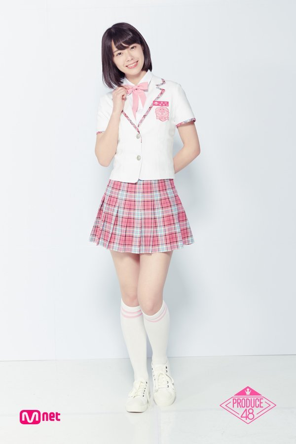 Tags: J-Pop, Television Show, AKB48, Oda Erina, School Uniform, Collar (Clothes), Checkered, Blunt Bangs, Checkered Skirt, Socks, Light Background, White Footwear