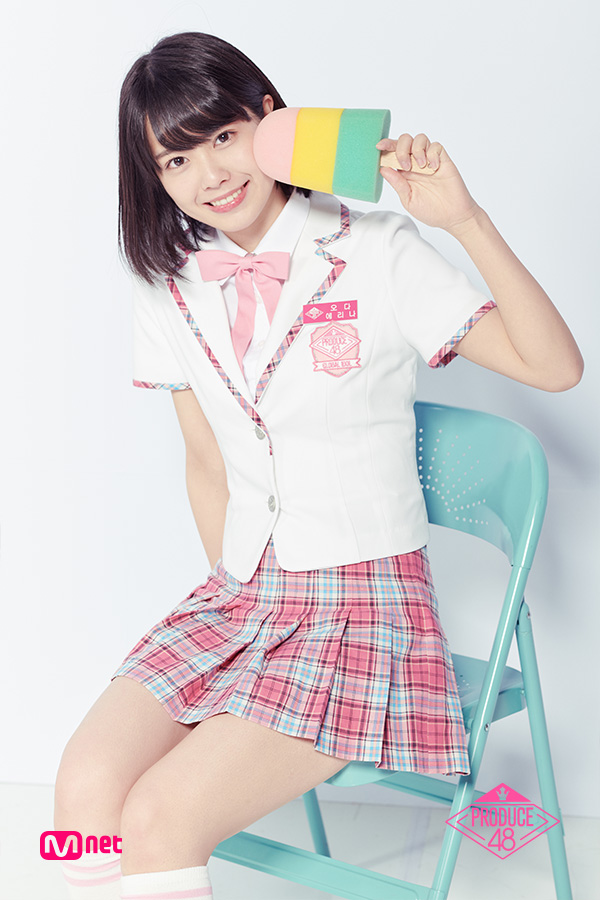 Tags: Television Show, J-Pop, AKB48, Oda Erina, Short Sleeves, Sitting On Chair, Korean Text, Chair, Close Up, White Outerwear, School Uniform, Collar (Clothes)