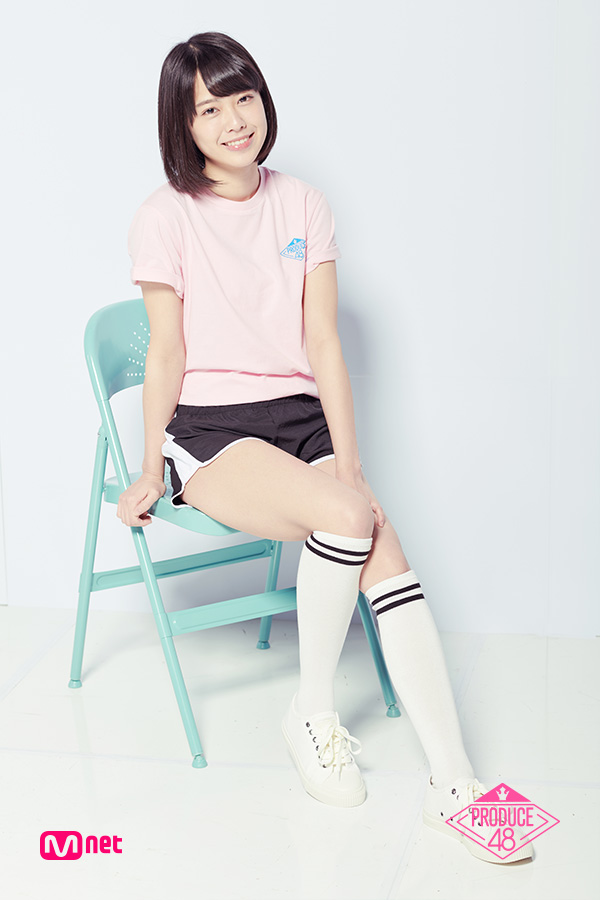 Tags: Television Show, J-Pop, AKB48, Oda Erina, Shoes, Black Shorts, Blunt Bangs, Socks, Light Background, Shorts, Pink Shirt, White Background