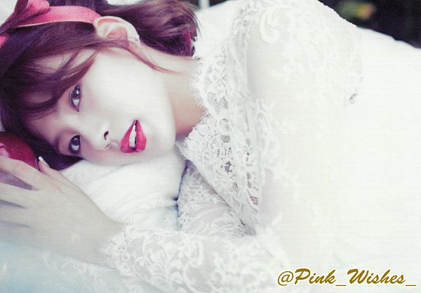 Tags: K-Pop, Apink, Oh Ha-young, Bed, On Bed, Laying Down, Red Bow, Bow, Hair Bow, Fruits, White Outfit, Apple