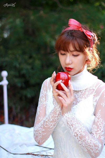 Tags: K-Pop, Apink, Oh Ha-young, On Bed, Red Bow, White Outfit, Bow, Hair Bow, Fruits, Apple, Red Lips, White Dress