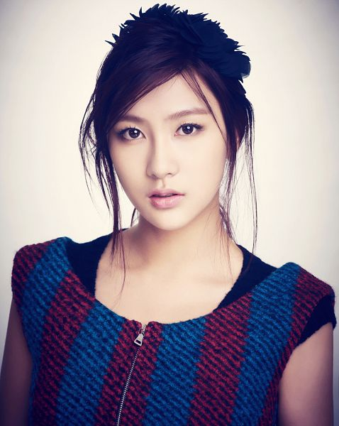 Tags: K-Pop, Apink, Oh Ha-young, Sweater, Striped Shirt, Serious, Gray Background, Hair Up, Red Shirt, Close Up, Blue Shirt, Striped
