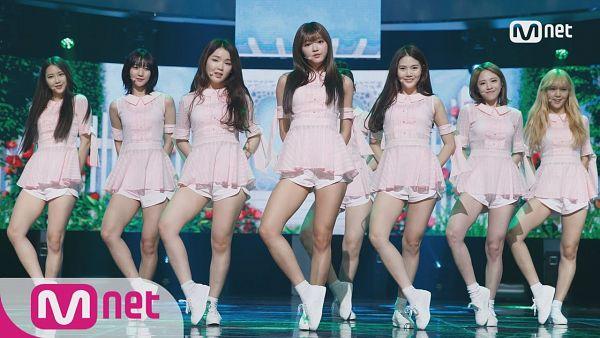 Tags: K-Pop, Oh My Girl, Kim Jiho, Choi Hyojung, Hyun Seunghee, Yooa, Arin, Mimi, Binnie, JinE, Pink Outfit, Stage